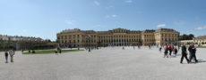 vienna Schonbrunn palace front
